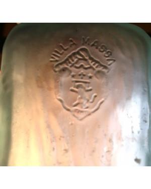 garrafa de vidro leitoso, para coleção , ,perfeito estado  escrito: vila massa 1