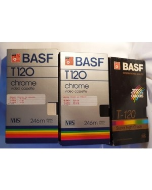 3 fitas VHS , marca BASF -T 120, usadas, com gravações de filmes de Jaques Costeau, bom estado, bom preço nas 3 peças.