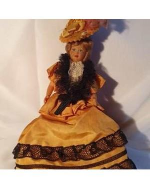 Boneca antiga New York ou velho oeste,dama típica sec. XIX, coleção vitrine, hand made, 1960 , bom estado , para vitrine ou coleção. Mede 20 cm altura.