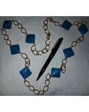colar em corrente de metal e quadradinhos plasticos azul turquesa,tamanho grande, bom estado