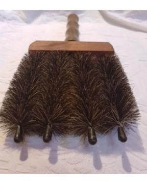 Escova multiuso em madeira e crina aramada , torcida . Perfeito estado. 1990.