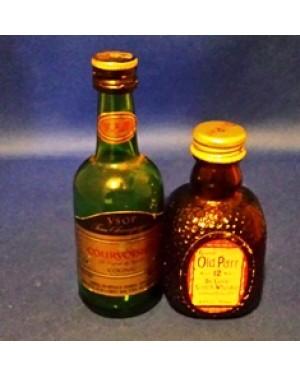 whisky-2 garrafinhas para coleção, vazias,em bom estado e originais.