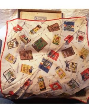 marcas de cigarro antigas,diversas, impressas em lenço de 30 x 30 cm, perfeito estado. Raridade,Veja as imagens.