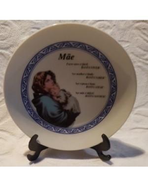 pratinho em porcelana com exaltação à NOSSA MÃE,c suporte, ,perfeito estado,guardado há 10 anos sem usar.Para coleção ou decoração.