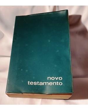 Novo Testamento, Ed. Paulinas , 1976, Papa João XXIII, capa plástica protetora, contém indulgência Papal, imagens, descrições, índice completo, 783 páginas, mede 3, 5 x 11 x 16 cm, usada, bom estado, relíquia.